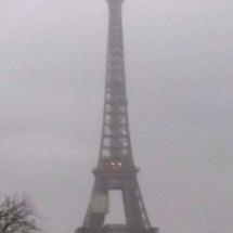 今日のパリの様子
