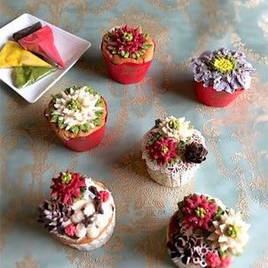 フラワーカップケーキレッスン募集の画像
