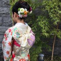 成人式に生花のヘアア…