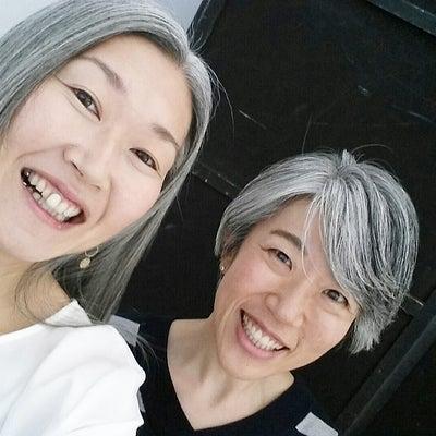 2018年はグレイヘアブームが来るよ~♪の記事に添付されている画像
