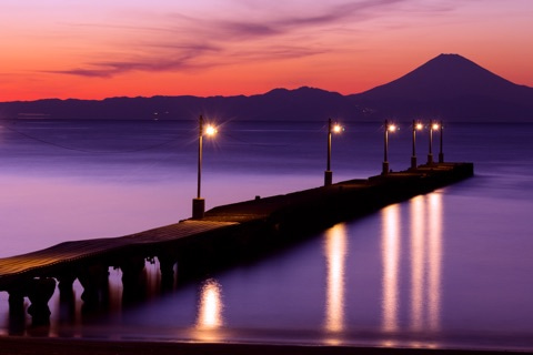 100 year old wooden pier and mt fuji 南房総 373bousou 和田浦