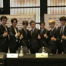 EXO だけの記者会…