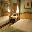 東京でのホテルはパリ…