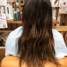 娘の髪パサパサの髪の…