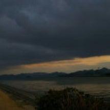 #空   雲と海の狭…