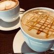 「カフェ・ラテ」と「…
