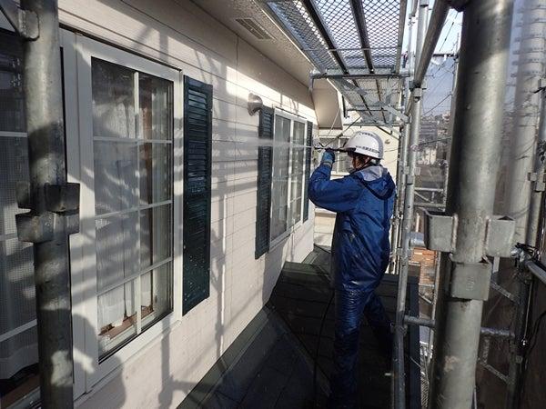 町田市住宅外壁塗装工事 洗浄中