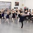バレエダンサー二人の…