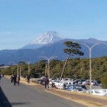 千本浜海岸からの富士…