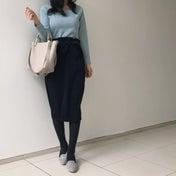 春にも取り入れやすいネイビースカート♡フェミニンコーデ