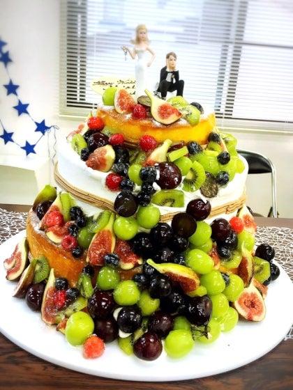 ミルフェリーチェウェディング 出張ヘアメイク 小田原十字町教会 結婚式 ウェディングケーキ
