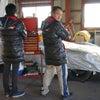 冬のサーキットの憧れのアイテム、「ADVAN」ダウンコートの画像