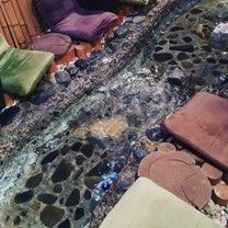 池袋の面白いカフェ『足湯カフェ』は如何ですか?の記事に添付されている画像