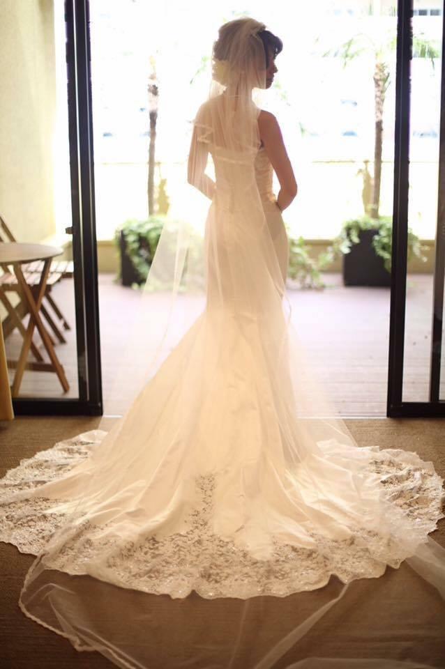 828d1895daaac 静岡市内の結婚式場で結婚式を挙げた花嫁様のシルクのウェディングドレスをお手伝いさせていただきました。