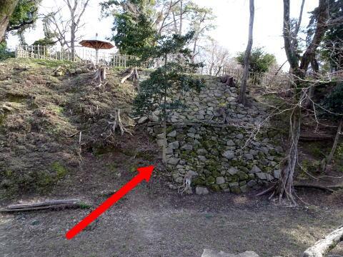 岡崎城持仏堂曲輪の石垣