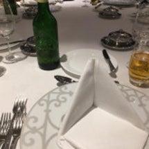 美しいマナーは食卓を…