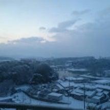 本日も雪ですね…営業…