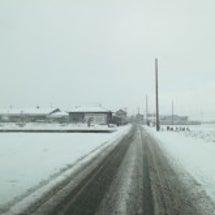 雪が降る町
