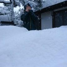 雪かきで1日が終わる…
