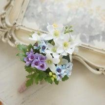 春の花のコサージュ