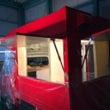 赤い移動販売車を作成…