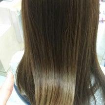 <イルミナカラー>髪…