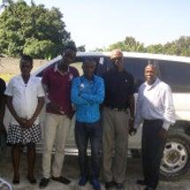 ハイチより新車の写真…