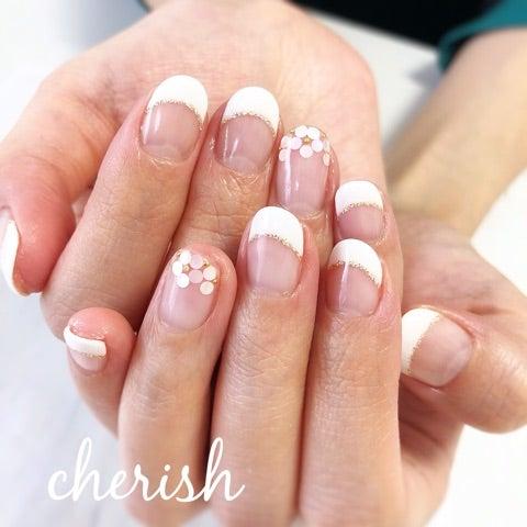 ホロ花×白フレンチネイル♡