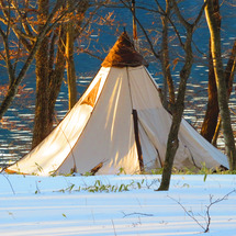 中禅寺湖畔でキャンプ…