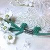 マクラメジュエリー『巻き結びとライン結びのブローチ』の画像