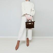 高見えキャメル色ショートブーツから考えた大人ホワイトコーデ!の記事に添付されている画像