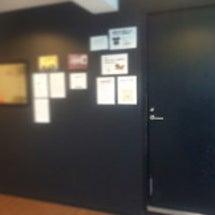 スタジオの壁ー!