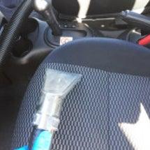 車のシート洗浄 (ニ…