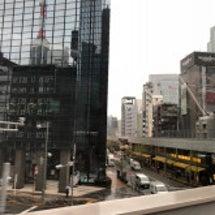 東京は寒い雨の朝です…
