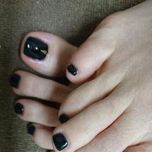 黒いフットネイル