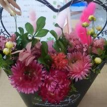 贈り物にお花かご