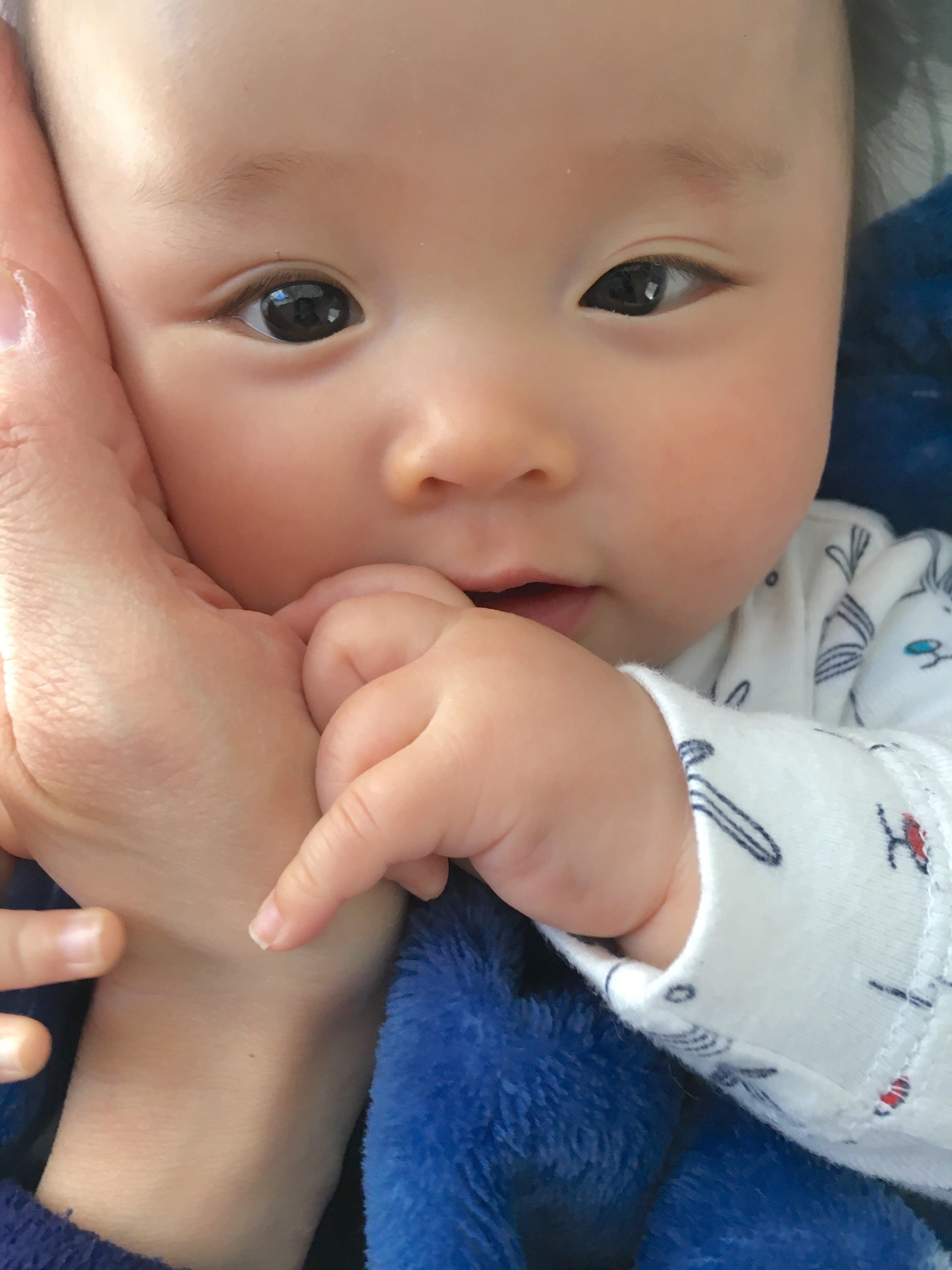 一重 二 重 から 赤ちゃん