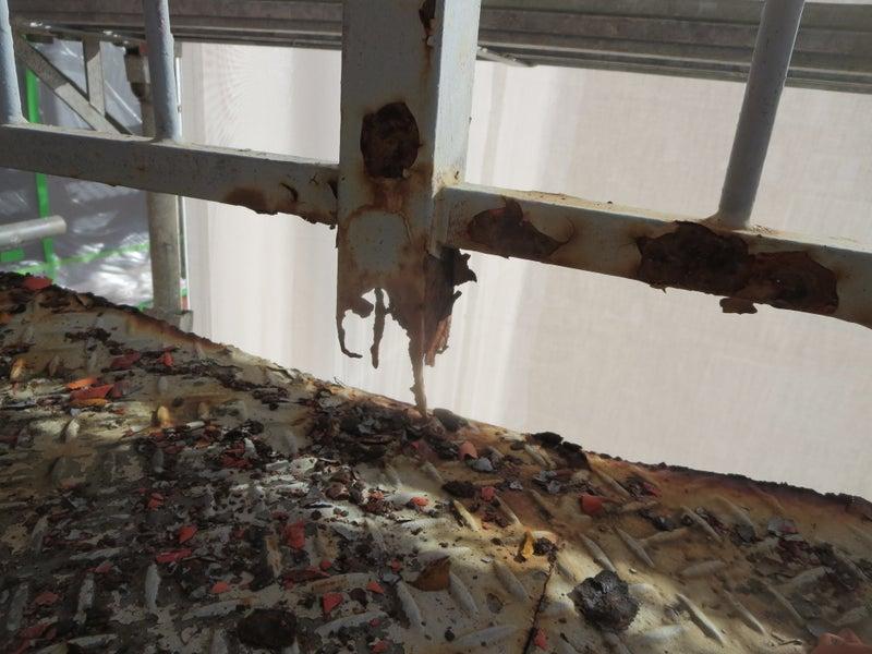 鉄階段の塗装と鉄骨の修理を行った川崎市横浜市東京都の塗り替え専門店佐藤塗装店の施工