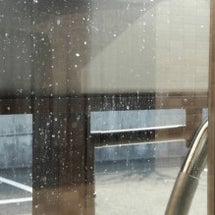 窓ガラスの水滴跡はメ…