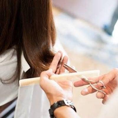 """長さは自由!低身長さんの""""かわいい""""を引き出すヘアスタイルとは?の記事に添付されている画像"""