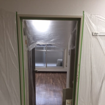 ドア枠塗装