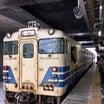 青森駅ホームで遭遇した電車と電車じゃない子達。