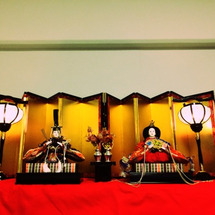 ひな祭り人形とお菓子…