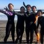 女性サーフィンスクー…