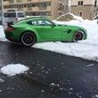 雪とスーパーカー