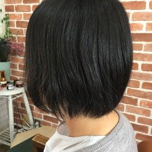 カットメンテナンス 黒髪ショート 黒髪の方の美容室来店周期目安の画像