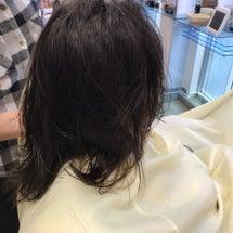 髪にちょいとアクセン…