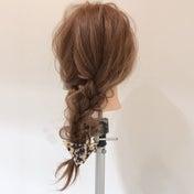 三つ編みで、ピンピン髪がでてきて、パサパサしない!2つの方法!
