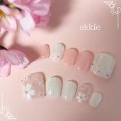 桜シールを使った桜フットネイル