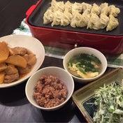 【昨日の晩ごはん☆アツアツ野菜たっぷり餃子!】